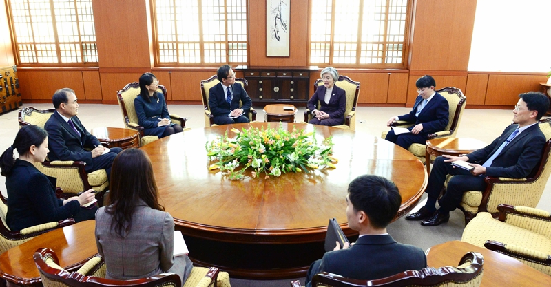 Minister of Foreign Affairs Meets with Consultative Board of Trilateral Cooperation Secretariat