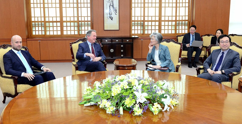 Minister of Foreign Affairs Meets with Executive Director of World Food Programme (WFP)